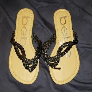 ⭐5/$5⭐ girls sandals